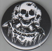 DISCHARGE - 3 SKULLS BUTTON PIN / BOTTLE OPENER / KEY CHAIN /